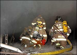 Prevención de muertes y lesiones, en la capacitación de bomberos durante incendio simulados en estructuras adquiridas