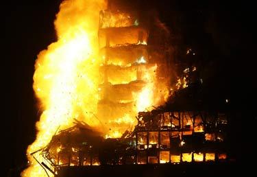 Deflagraciones producidas por gases, vapores y polvos combustibles: